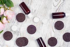 Biscotti crema delle lozioni dei cosmetici Fotografia Stock Libera da Diritti