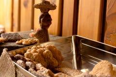 Biscotti croccanti dolci di gusto differente immagini stock