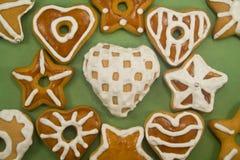 Biscotti decorati del pan di zenzero Fotografie Stock