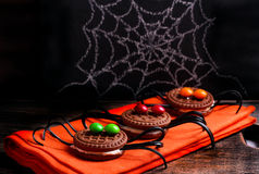 Biscotti decorati del ragno per Halloween Fotografie Stock
