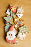 Biscotti decorativi di natale Fotografia Stock Libera da Diritti