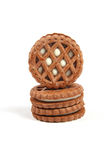Biscotti del cioccolato con il riempitore della vaniglia fotografia stock