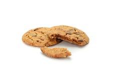 Biscotti del cioccolato su priorità bassa bianca Fotografia Stock Libera da Diritti