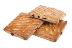 Biscotti del grano intero con frutta isolata Fotografia Stock