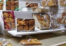 Biscotti del pan di zenzero al mercato di Natale di Vilnius Immagine Stock
