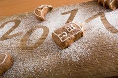 Biscotti del pan di zenzero con 2017 Immagini Stock