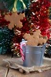Biscotti del pan di zenzero di forma del fiocco di neve sul Immagini Stock