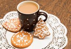 Biscotti del pan di zenzero e del caffè Fotografie Stock Libere da Diritti