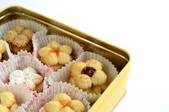 Biscotti del vegano con l'inceppamento della frutta immagini stock libere da diritti