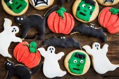 Biscotti deliziosi casalinghi del pan di zenzero per Halloween Immagini Stock
