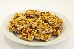 Biscotti dell'arachide sul piatto Fotografia Stock Libera da Diritti