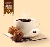 Biscotti della nocciola e della noce con caffè Percorso di ritaglio Fotografia Stock Libera da Diritti