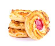 Biscotti della noce di cocco con Cherry Jam Fotografia Stock