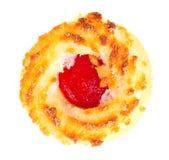 Biscotti della noce di cocco con Cherry Jam Isolated su bianco Immagine Stock Libera da Diritti