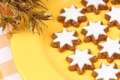 Biscotti della stella della cannella (Zimtsterne) immagine stock libera da diritti