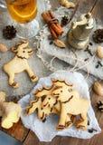 Biscotti dello zenzero, alci Immagine Stock