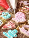 Biscotti dello zenzero con glassa Fotografia Stock