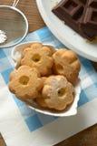 Biscotti di Canestrelli nella ciotola bianca - tradizione del passo di danza italiano Fotografia Stock