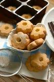 Biscotti di Canestrelli nella ciotola bianca - tradizione del passo di danza italiano Immagine Stock