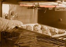 Biscotti di cottura Immagini Stock