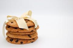 Biscotti di farina d'avena con le gocce di cioccolato fotografie stock