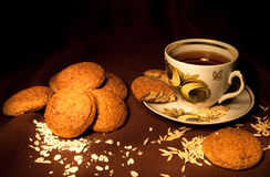 Biscotti di farina d'avena scuri Fotografie Stock