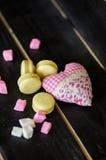 Biscotti di giorno del biglietto di S. Valentino s Fotografia Stock