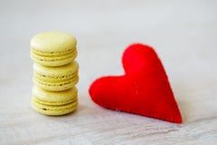 Biscotti di giorno del biglietto di S. Valentino s Immagine Stock Libera da Diritti