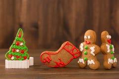 Biscotti di natale biscotti del chip sulla tavola di legno rustica Dolce di festa biscotto di festa Biscotti Biscotti di pepita d Immagine Stock