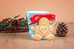 Biscotti di Natale con la decorazione Fotografie Stock