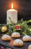 Biscotti di Natale con le noci Fotografie Stock Libere da Diritti