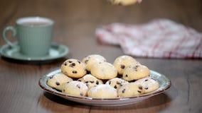 Biscotti di pepita di cioccolato casalinghi dolci video d archivio