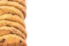 Biscotti di pepita di cioccolato isolati su bianco Fotografia Stock Libera da Diritti