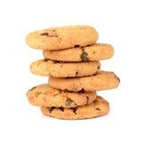 Biscotti di pepita di cioccolato isolati su priorità bassa bianca Fotografia Stock