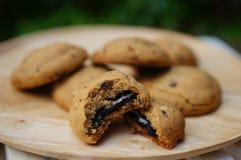 Biscotti di sovraccarico del cioccolato immagini stock libere da diritti