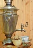 Biscotti di tè della samovar Immagine Stock Libera da Diritti