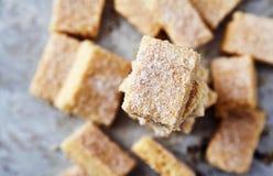 Biscotti di zucchero casalinghi fatti da semolino con zucchero Immagini Stock