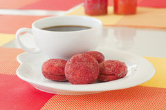 Biscotti di zucchero rossi del velluto Fotografia Stock Libera da Diritti