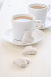 biscotti e caffè di Cuore-forma Fotografie Stock