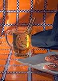 Biscotti e cappello del sidro Fotografia Stock