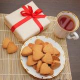 Biscotti e regalo casalinghi Fotografia Stock Libera da Diritti