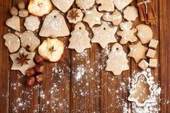 Biscotti e spezia casalinghi di natale Fotografia Stock