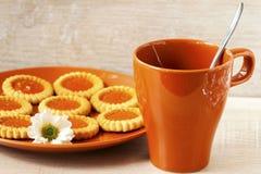 Biscotti e tazza di caffè Fotografie Stock
