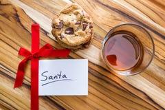 Biscotti e whiskey per Santa Fotografia Stock