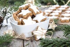 Biscotti fatti freschi della cannella Immagine Stock Libera da Diritti