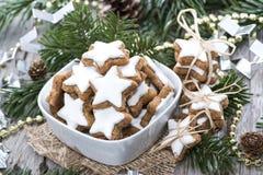 Biscotti fatti freschi della cannella Immagini Stock Libere da Diritti