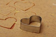 Biscotti a forma di del biglietto di S. Valentino della st del cuore Immagini Stock Libere da Diritti