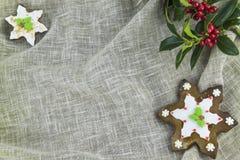 Biscotti a forma di del pan di zenzero di Natale del fiocco di neve Fotografia Stock