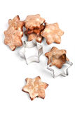Biscotti a forma di stella di natale con un modulo Fotografia Stock Libera da Diritti