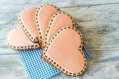 Biscotti glassati su un tovagliolo Fotografia Stock Libera da Diritti